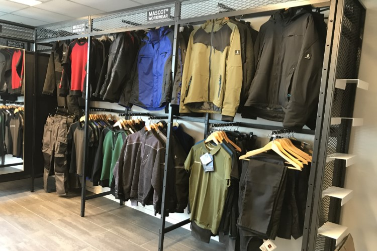SA Wear werkkleding showroom Breda 5